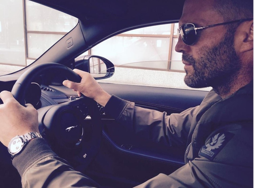 Jason Statham - tay choi xe sung so tu trong phim toi ngoai doi hinh anh 7