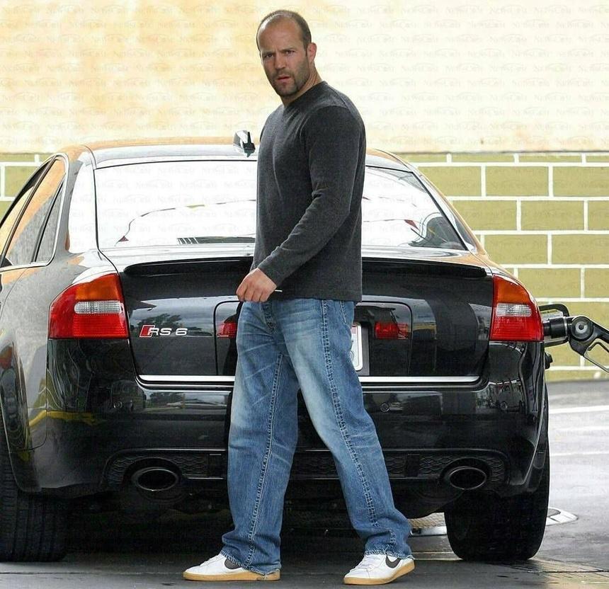 Jason Statham - tay choi xe sung so tu trong phim toi ngoai doi hinh anh 9