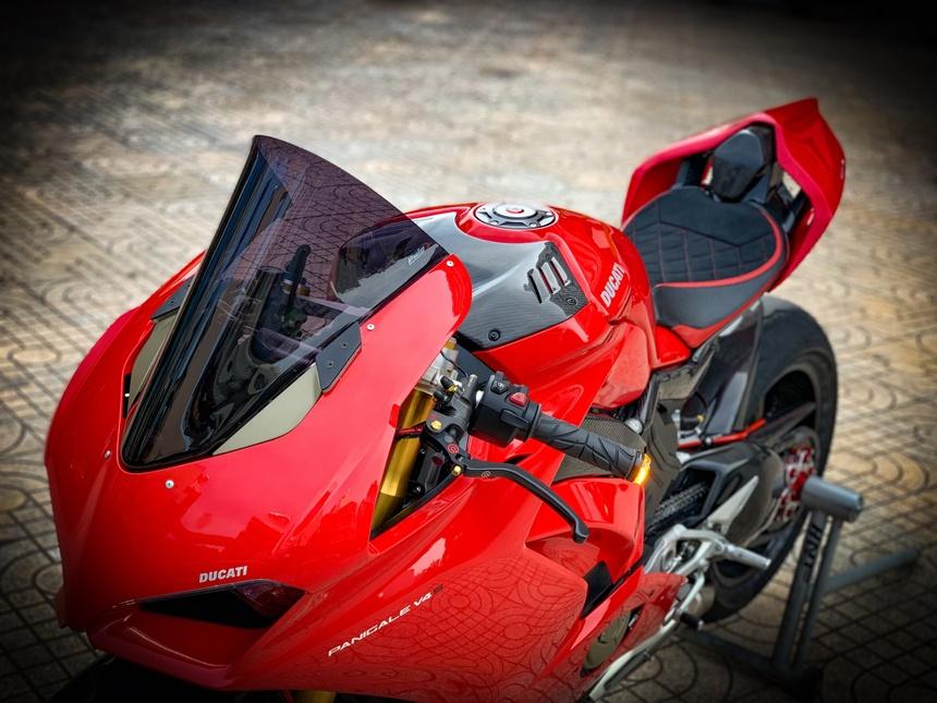 Moto tien ty Ducati Panigale V4 S voi goi do dat gia tai TP.HCM hinh anh 15 V4_12.jpeg