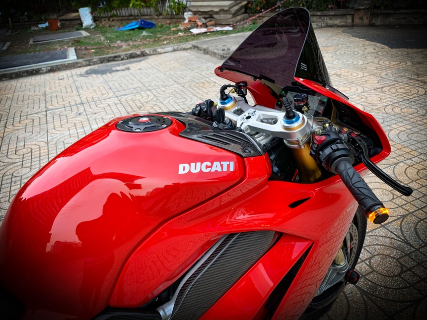 Moto tien ty Ducati Panigale V4 S voi goi do dat gia tai TP.HCM hinh anh 22 V4_14.jpeg