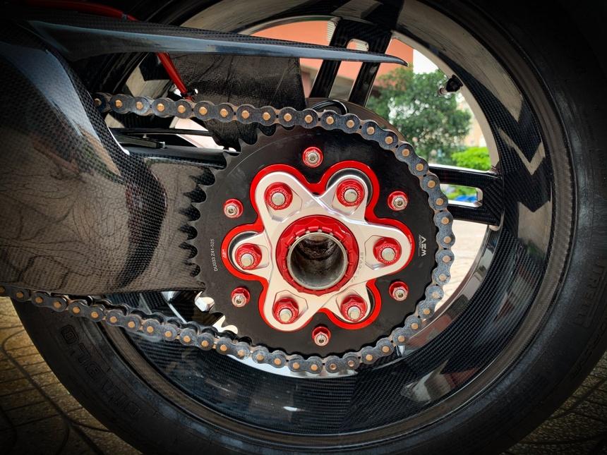 Moto tien ty Ducati Panigale V4 S voi goi do dat gia tai TP.HCM hinh anh 17 V4_21.jpeg