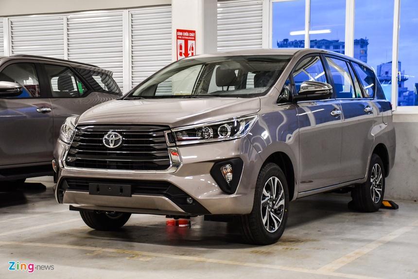 Toyota Innova 2021 duoc dua ve dai ly anh 1