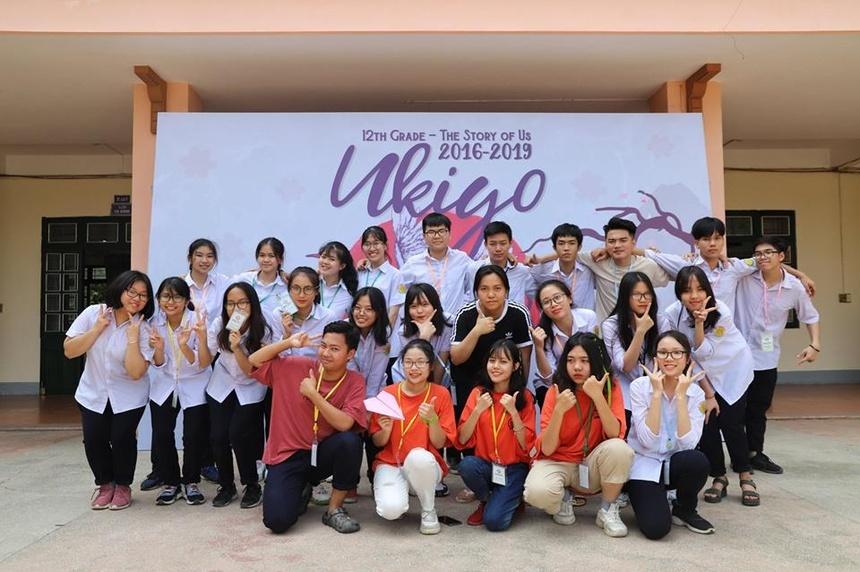 Quỳnh Anh tích cực tham gia các hoạt động ngoại khóa ở trường.