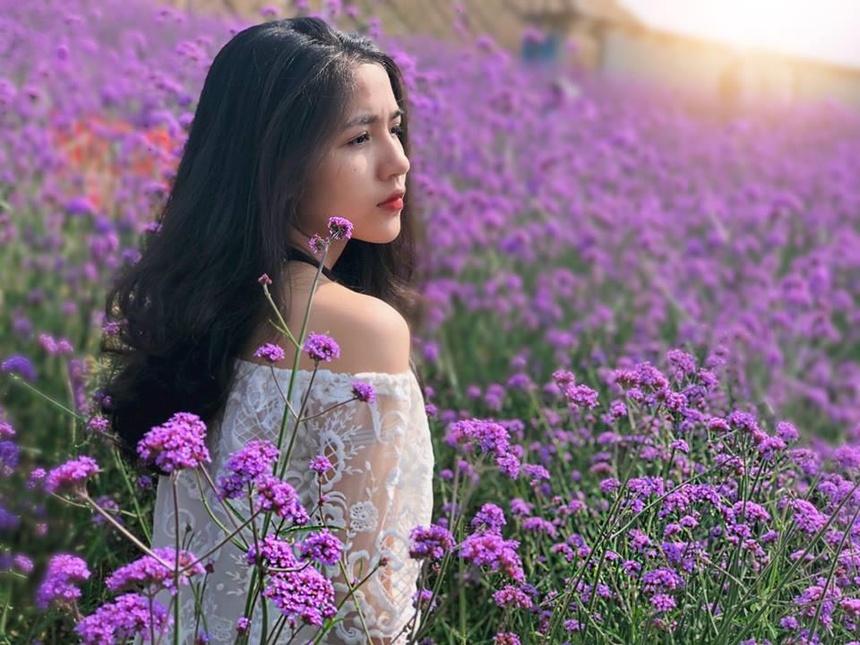 Nữ sinh quê Lào Cai mơ ước trở thành doanh nhân thành đạt trong tương lai.