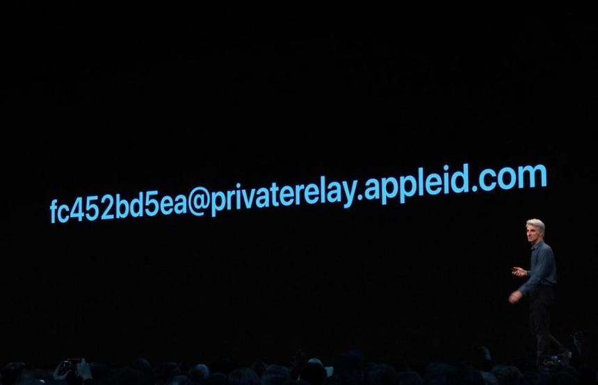 Voi iOS 13, Apple da giang cho Facebook, Google mot don dau hinh anh 1