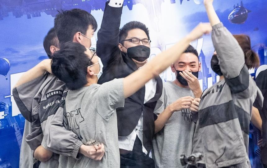 Chung ket Lien Quan SGP va MAD Team anh 1