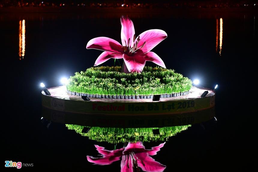 Da Lat ruc ro trong dem khai mac Festival hoa hinh anh 31 hoa_da_lat_zing6.JPG