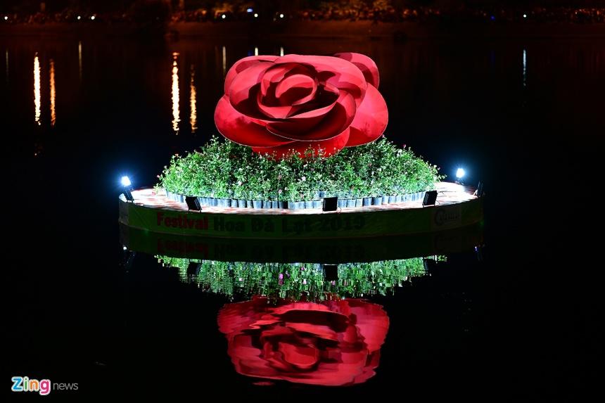 Da Lat ruc ro trong dem khai mac Festival hoa hinh anh 33 hoa_da_lat_zing9.JPG