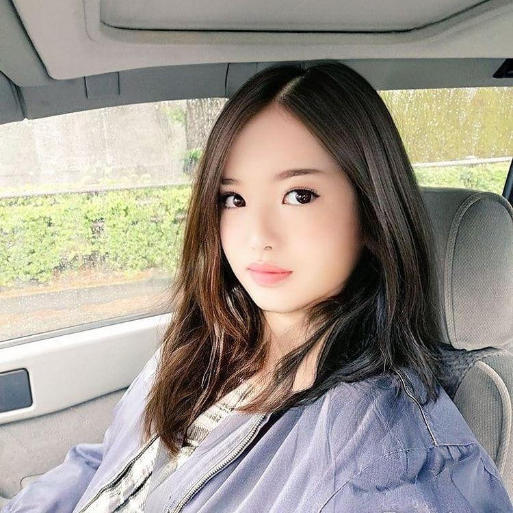 Hot girl mang Nhat tiet lo la ong chu 53 tuoi anh 2