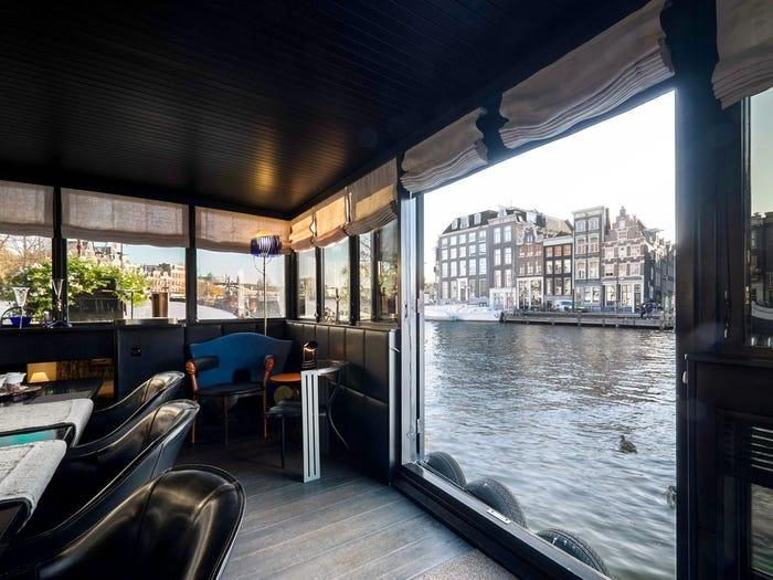 Ben trong 'cung dien noi' xa xi tren song o Amsterdam hinh anh 9