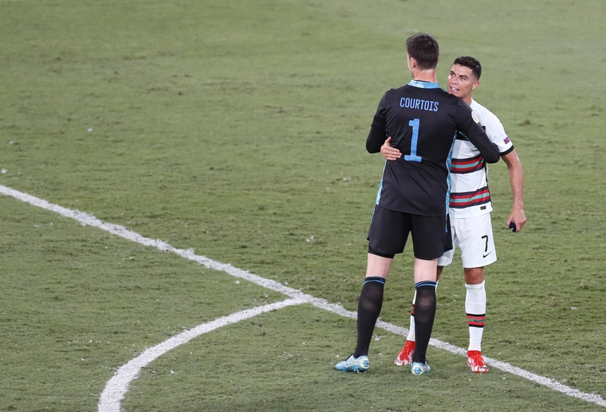 Ronaldo: 'Tuyen Bi da gap may' anh 1