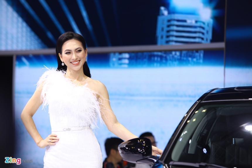 Nguoi dep Viet do sac cung mau Tay tai VMS 2019 hinh anh 11