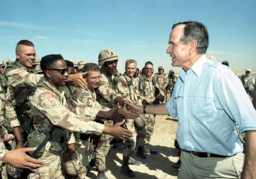 94 nam cuoc doi cua Bush 'cha': Tu de che dau mo toi Chien tranh Lanh hinh anh 9