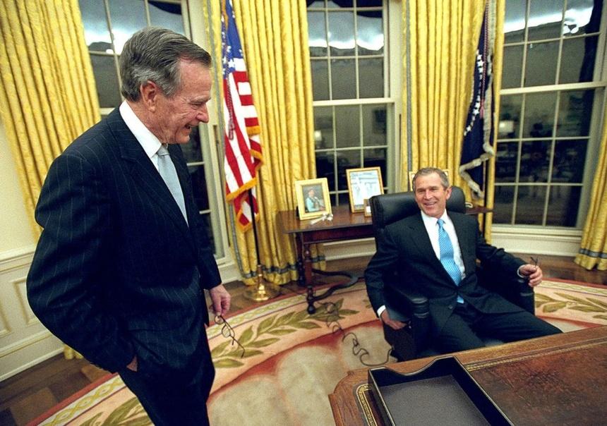 94 nam cuoc doi cua Bush 'cha': Tu de che dau mo toi Chien tranh Lanh hinh anh 12