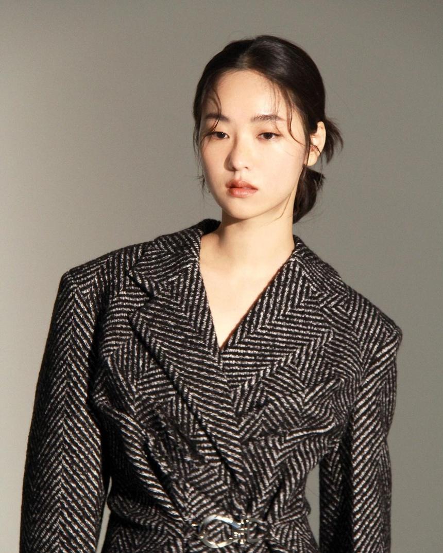 nhan sac tinh moiSong Joong Ki anh 9