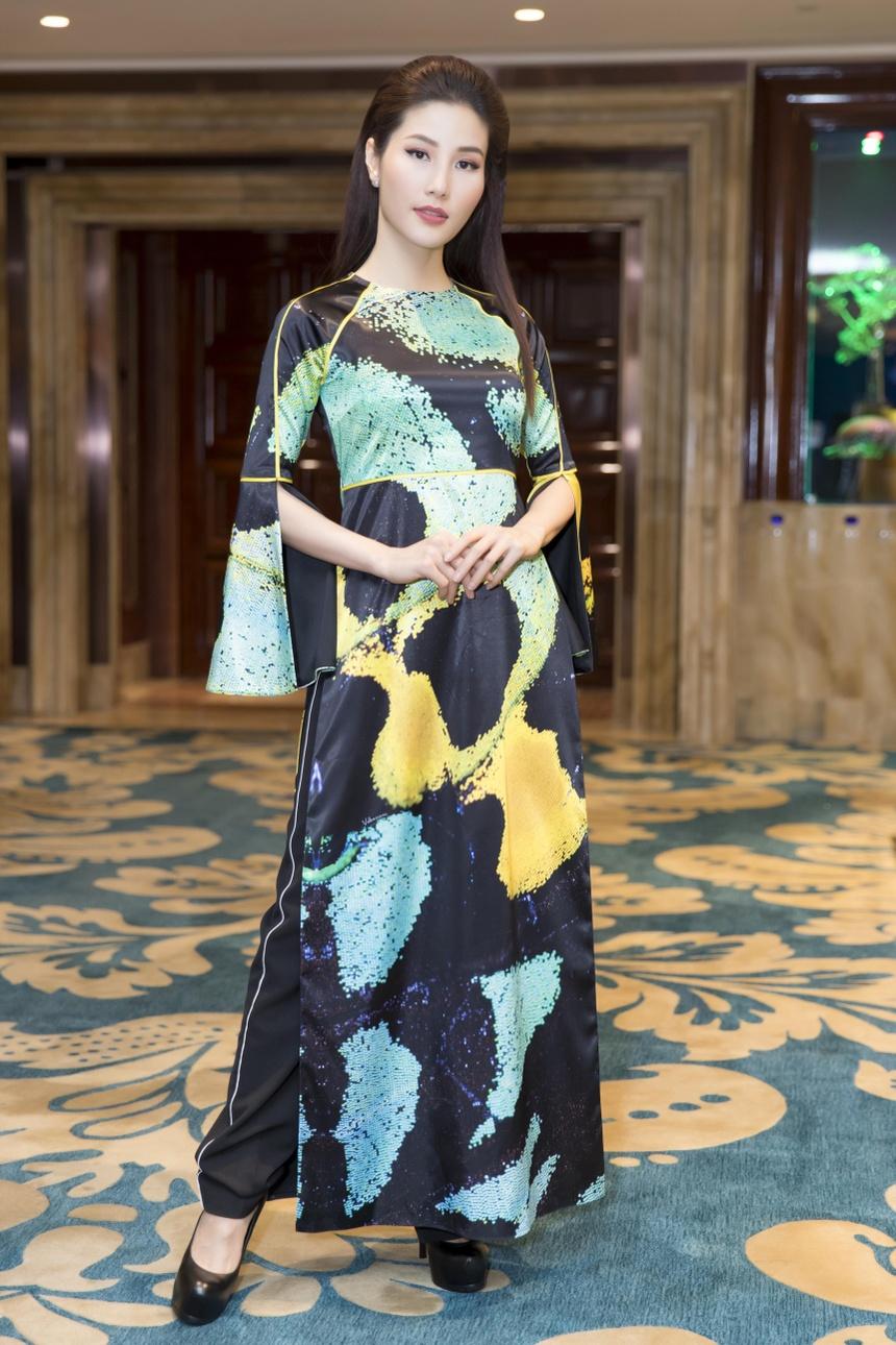 Angela Phương Trinh Diện Ao Dai đinh đa Quy ở Lễ Hội Ao Dai 2018