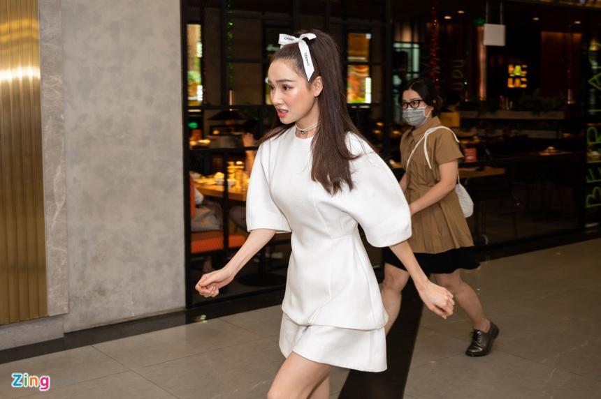 Nha Phuong ra mat phim Song song anh 2