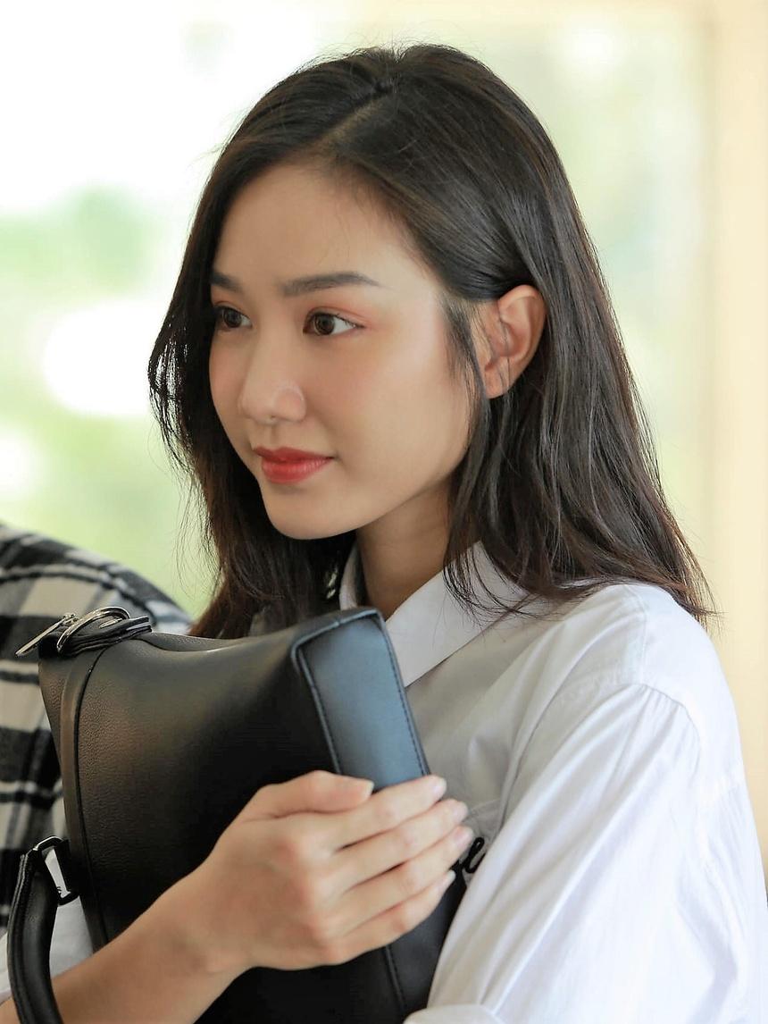 Sau nua nam, Top 5 Hoa hau Viet Nam goi cam hon, cong khai tinh yeu hinh anh 14