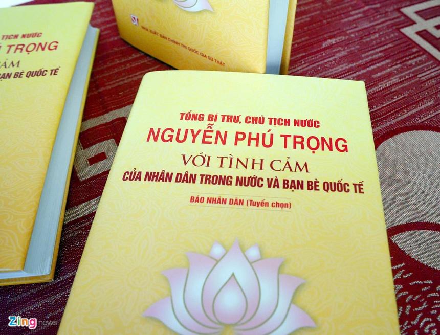 Ra mat sach ve Tong bi thu, Chu tich nuoc Nguyen Phu Trong hinh anh 1