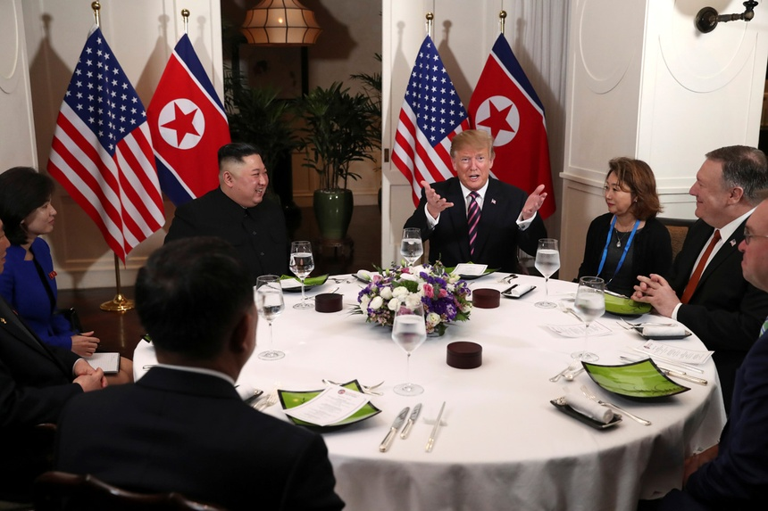 Chieu nay, ong Trump va ong Kim se ky tuyen bo chung o Ha Noi hinh anh 3