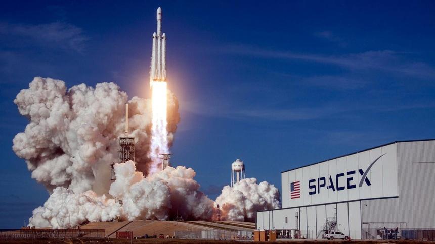 SpaceX cua Elon Musk anh 1