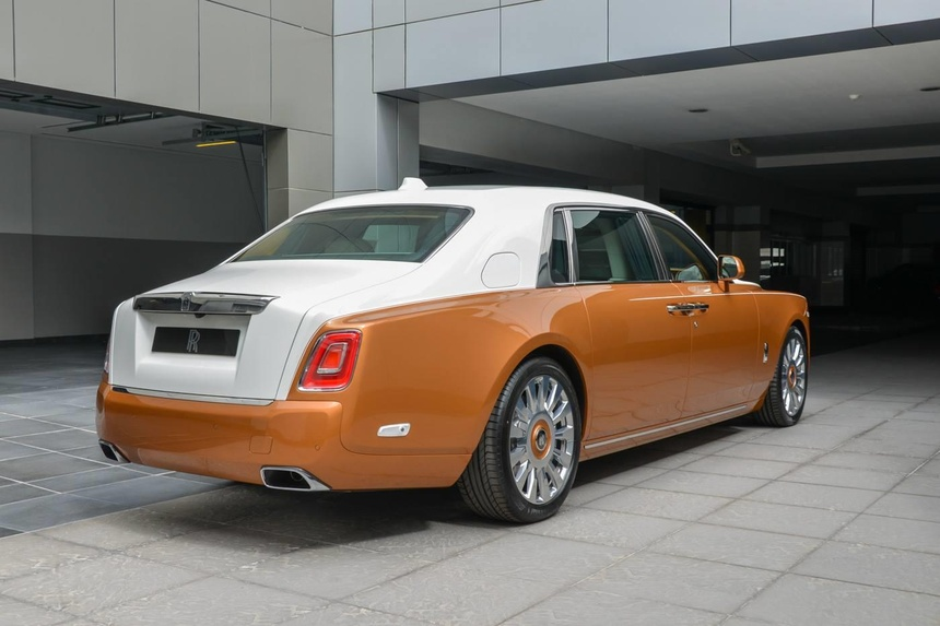 Rolls-Royce Phantom ban dac biet voi vach ngan rieng tu tuyet doi hinh anh 2