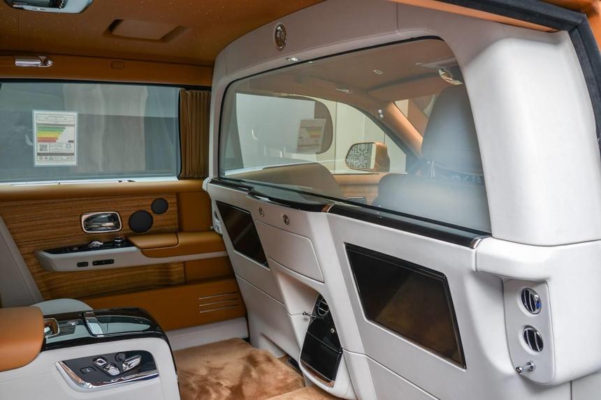 Rolls-Royce Phantom ban dac biet voi vach ngan rieng tu tuyet doi hinh anh 3