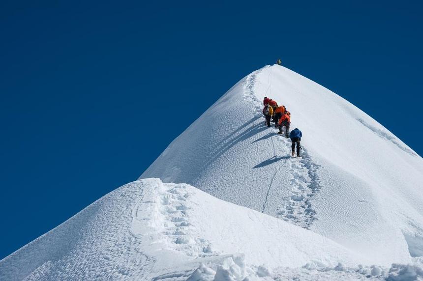 Hanh trinh 24 lan chinh phuc Everest cua nguoi dan ong 49 tuoi hinh anh 3