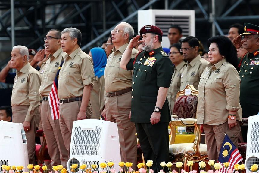 Nguoi vo hoa hau Nga bi an cua vua Malaysia vua thoai vi hinh anh 17