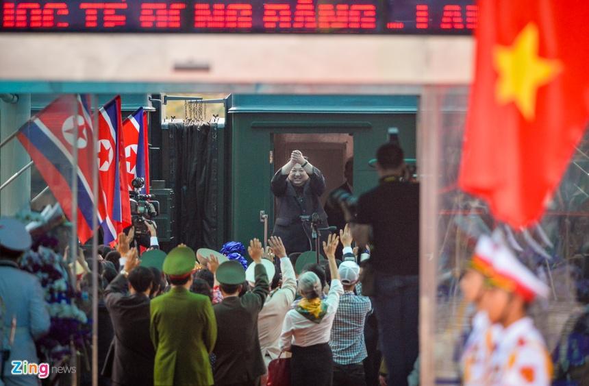 ông Kim Jong Un Lên đường Về Nước Chào Tạm Biệt Người Dân Thế
