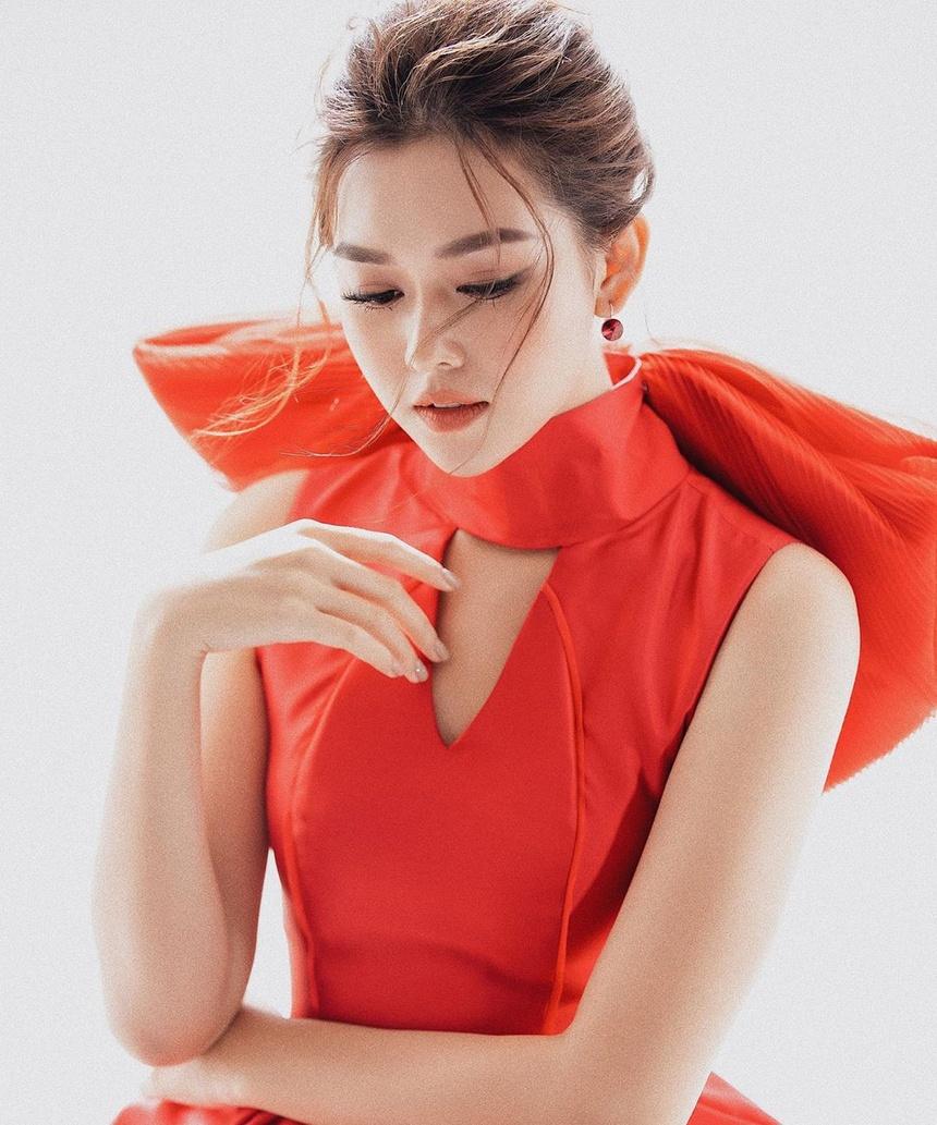 Tuong San - tu hot girl mang den top 8 Hoa hau Quoc te hinh anh 30