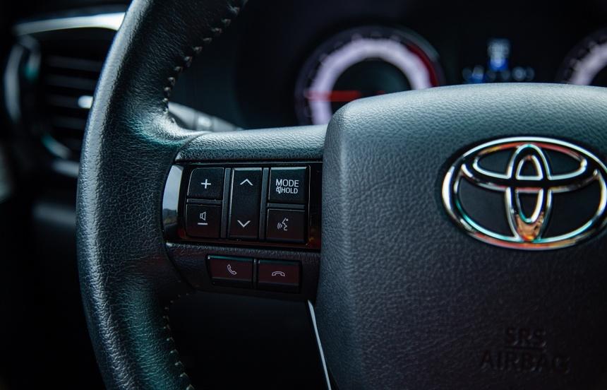 Toyota Hilux - su tong hoa day quyen ru hinh anh 11