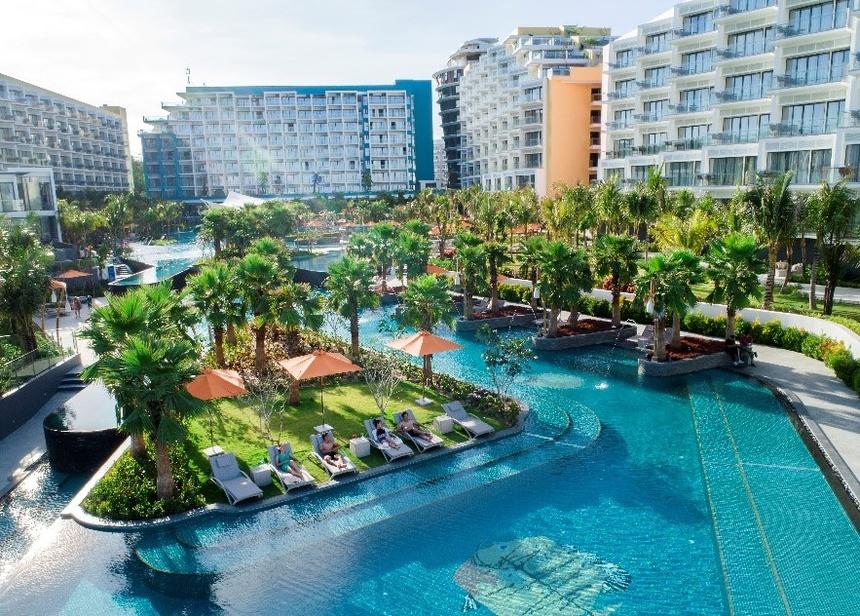 Ghe Premier Residences Phu Quoc Emerald Bay tri an phai dep thang 3 hinh anh