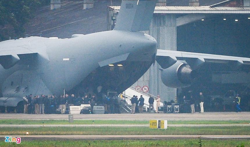 15 phut cang thang khi don Air Force One cua tong thong My hinh anh 8