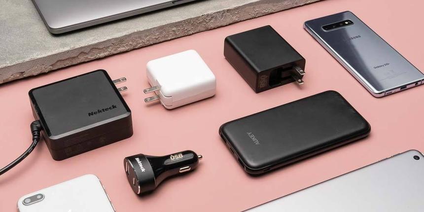 Các thông tin cần biết về cục sạc iPhone 12 Pro Max chính hãng 1