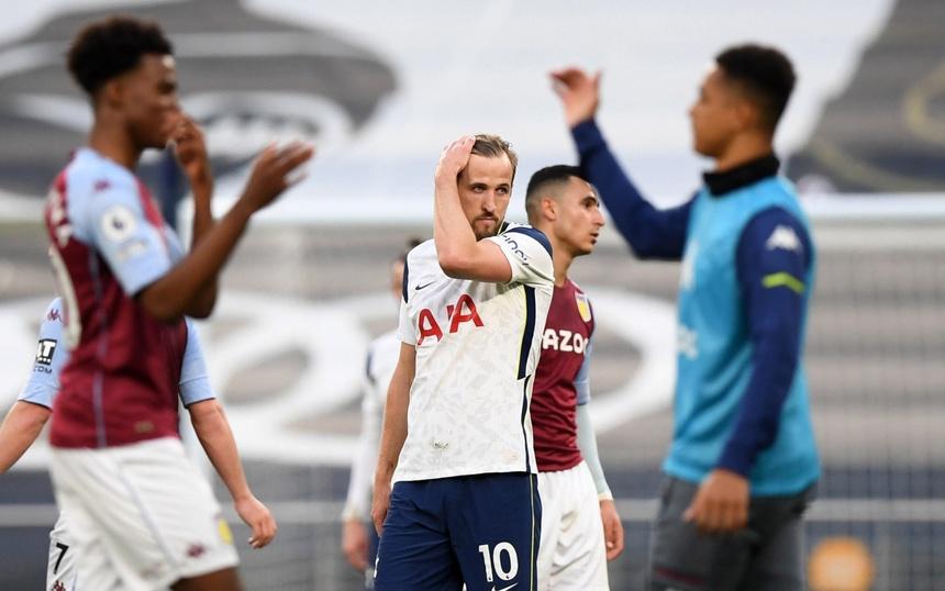 Kane lộ rõ sự thất vọng trong thất bại 1-2 của Tottenham trước Aston Villa Kanee