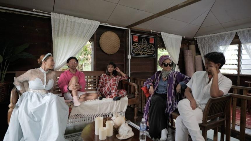cuu cong chua Malaysia bi chi trich vi gia vo ngheo anh 6