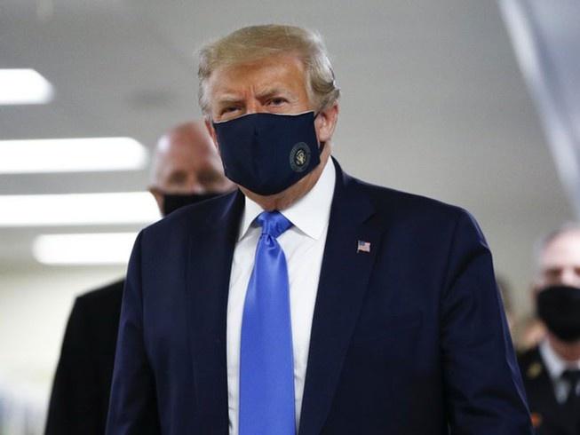 Ong Trump va di san no cong cua nuoc My anh 1