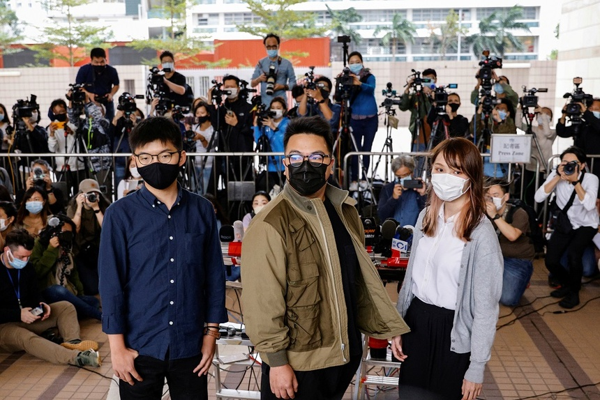 Joshua Wong bi tam giam anh 1