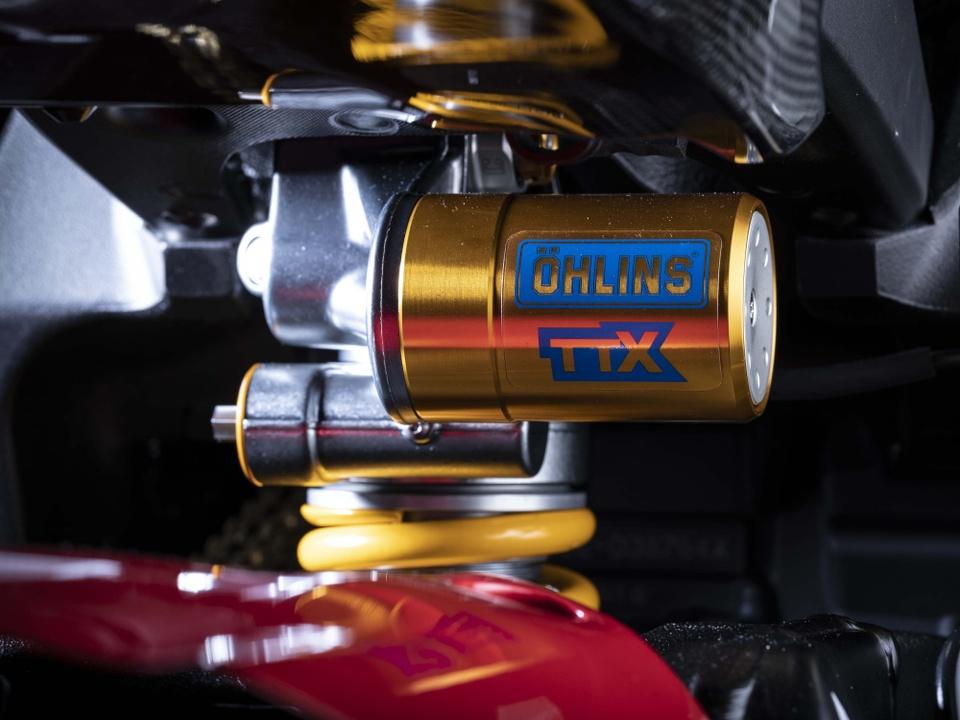 Yamaha YZF-R1 GYTR ban ky niem cuc dep ra mat, chi ban 20 chiec hinh anh 7
