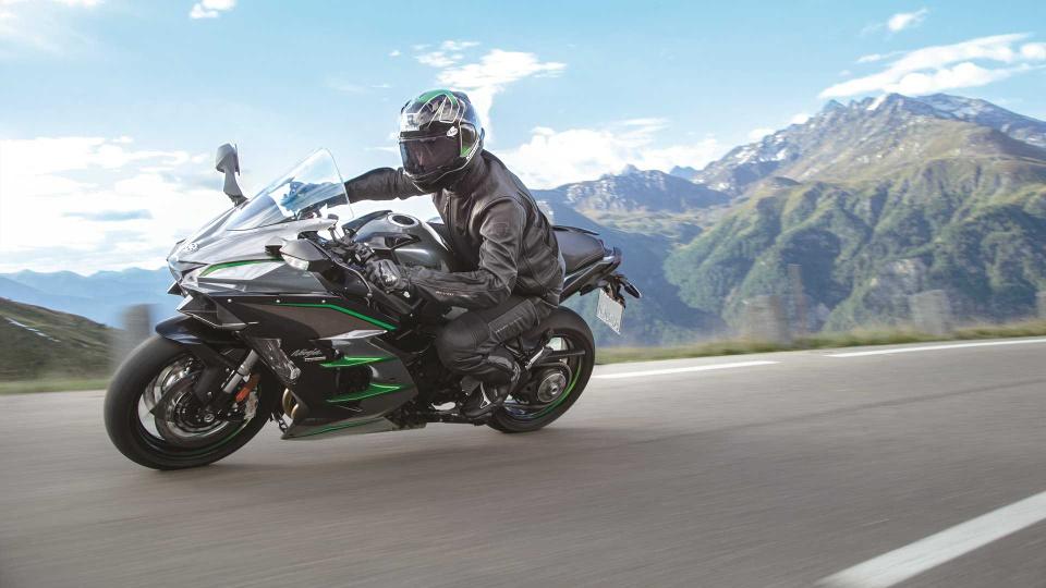 Kawasaki Ninja H2 SX SE+ 2019 hien dai hon, gia tu 25.000 USD hinh anh 1