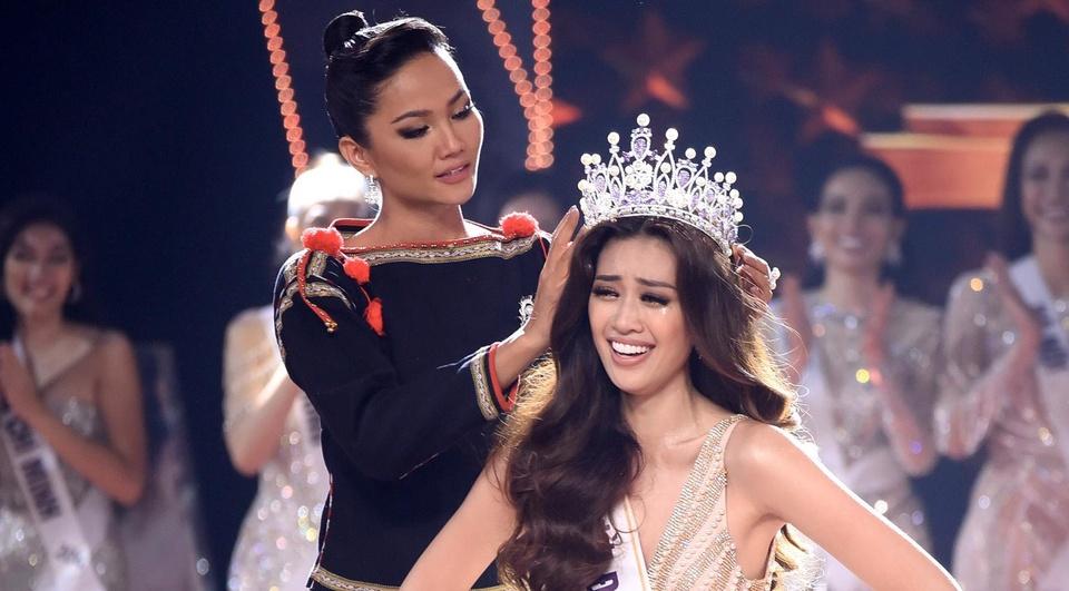Nguyen Tran Khanh Van dang quang Hoa hau Hoan vu Viet Nam 2019 hinh anh