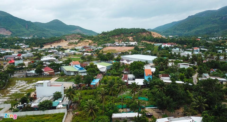 Resort, biet thu 5 sao xe nui 'treo tren dau dan' o Nha Trang hinh anh 9