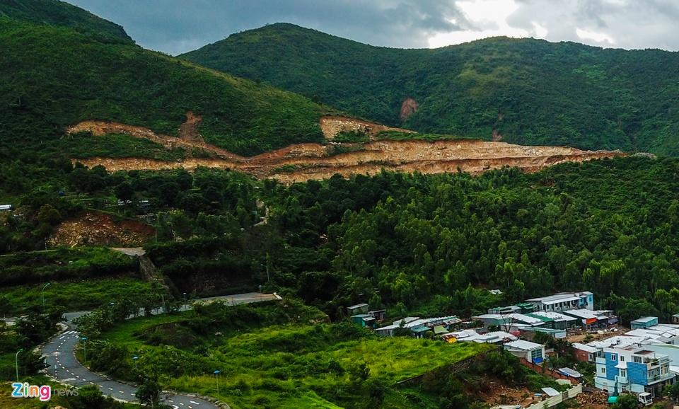 Resort, biet thu 5 sao xe nui 'treo tren dau dan' o Nha Trang hinh anh 7