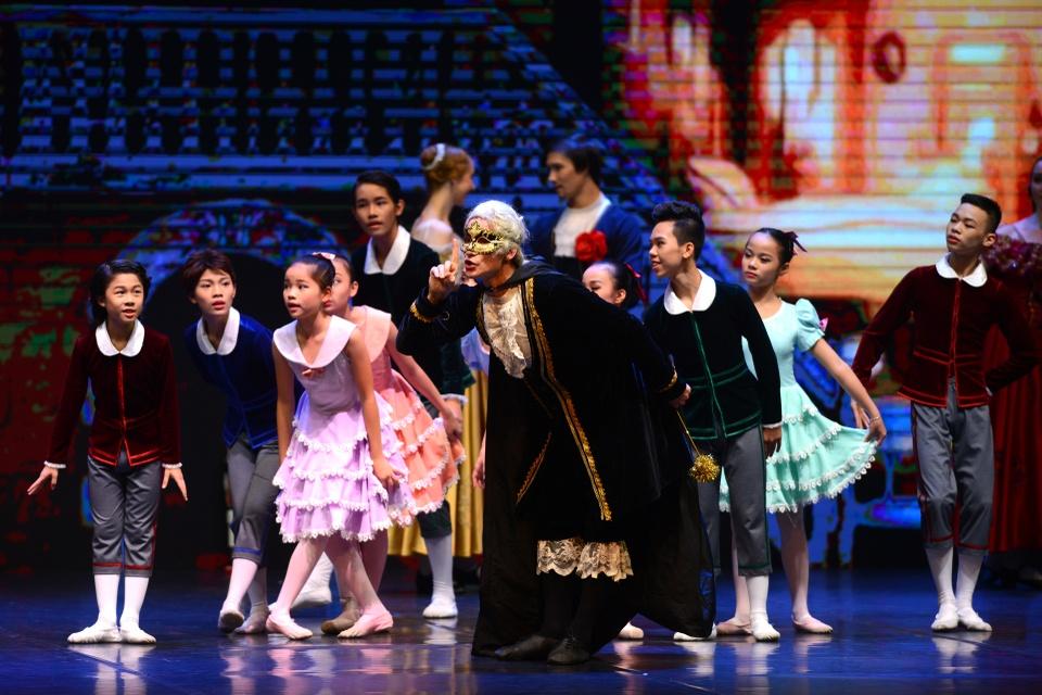 Vo ballet 'Kep hat de' gay an tuong tai Ha Noi hinh anh 4
