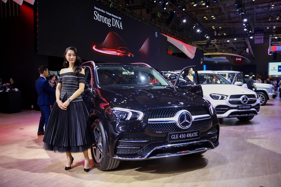 xe sang Mercedes-Benz anh 2