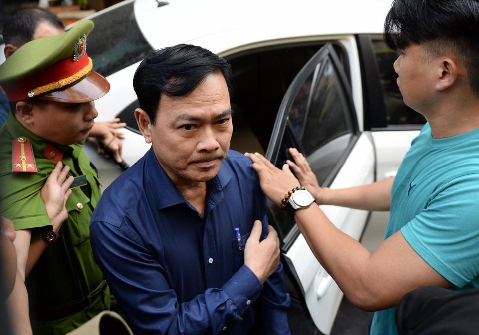Nguyen Huu Linh duoc bao ve chat che khi hau toa hinh anh