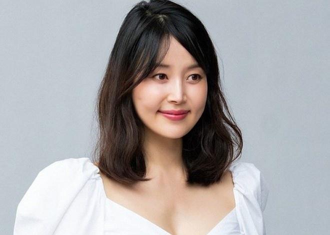 han-ji-hye-sinh-con-dau-long-sau-10-nam-ket-hon
