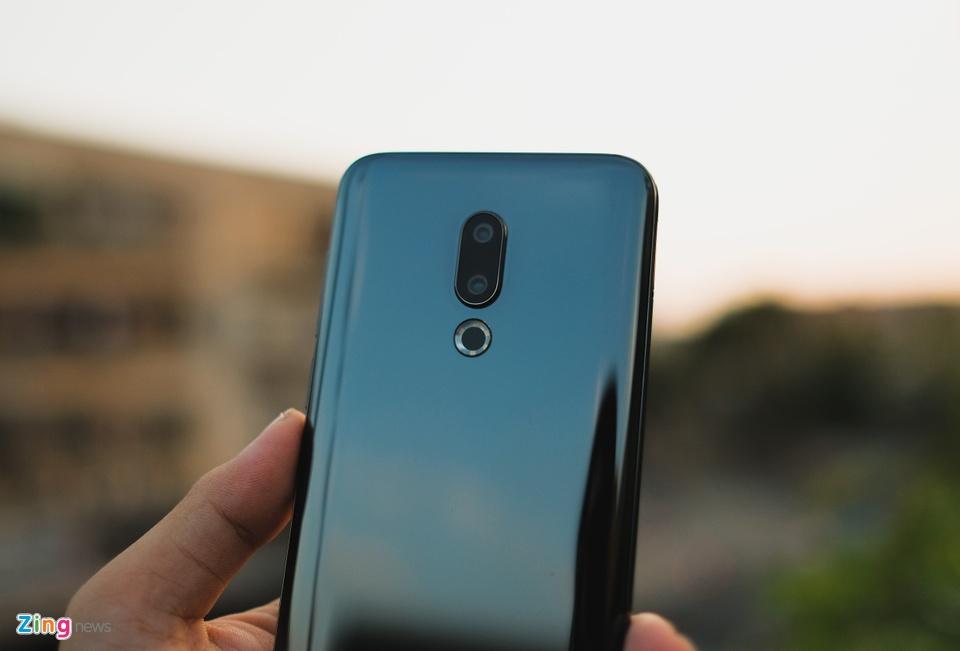 Chi tiết smartphone mỏng nhẹ nhất 2018 giá 11 triệu ở VN - 246735