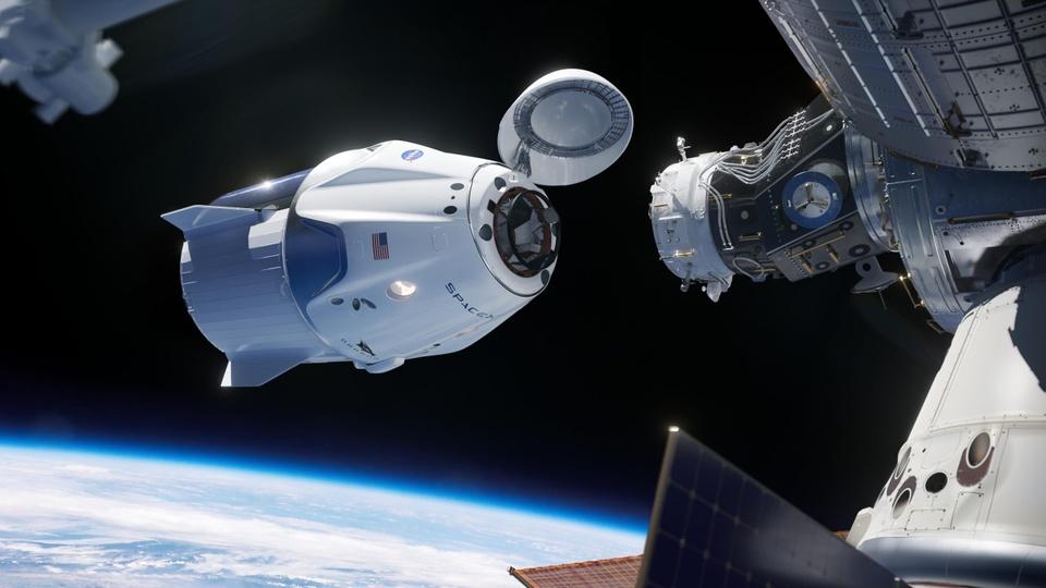 Tau con thoi cua SpaceX da noi Tram vu tru quoc te hinh anh